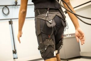 Мягкий экзоскелет из Гарварда сделает ходьбу менее энергозатратной»
